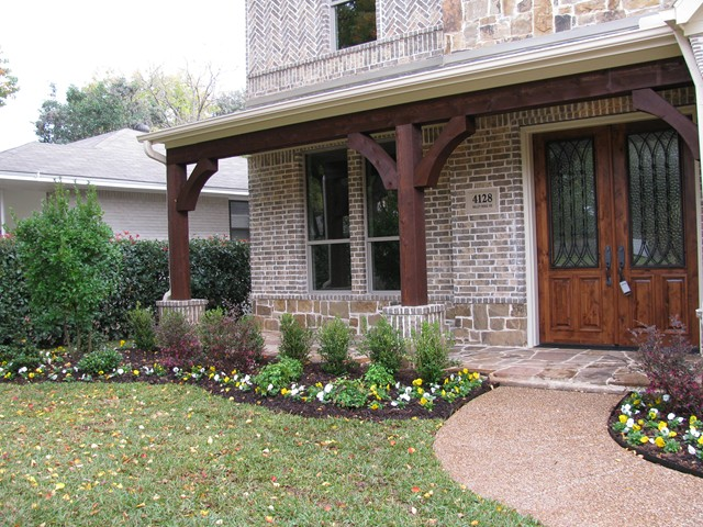 28 best ideas for flower beds in front of porch flower for Front flower bed ideas